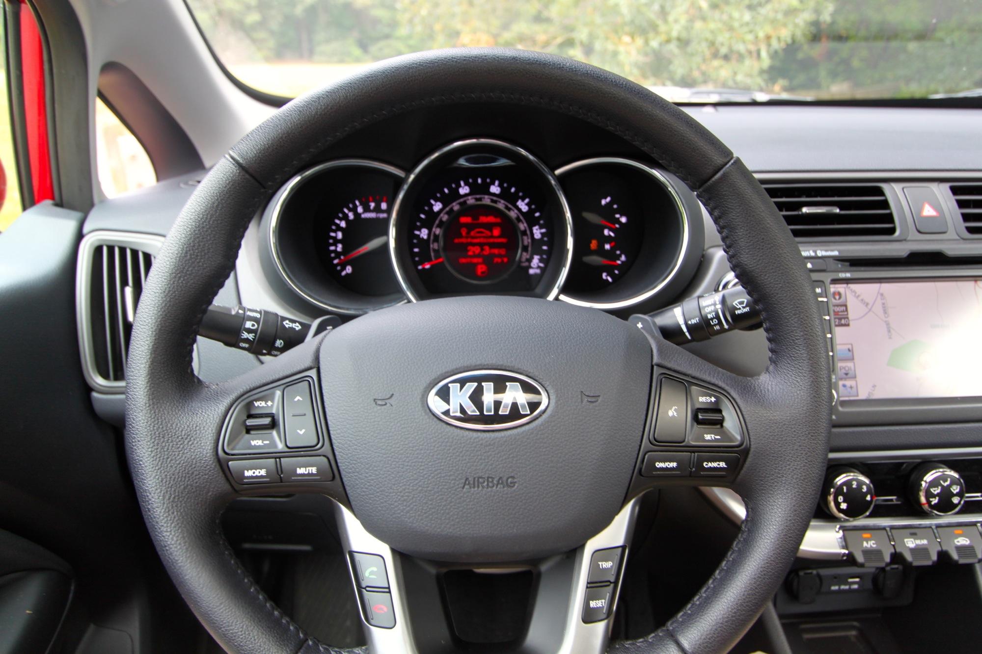 Kia Rio Sx Interior on Kia Rio Price