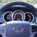 2013-toyota-tacoma-technology-03