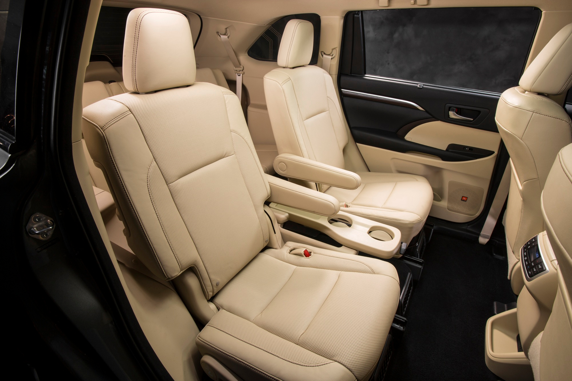 Thumbs 2014 Toyota Highlander Interior 5