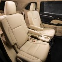 2014-toyota-highlander-interior-5