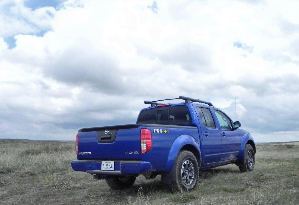Nissan Frontier Desert Runner Upgrades >> 2015 Nissan Frontier PRO-4X : Review