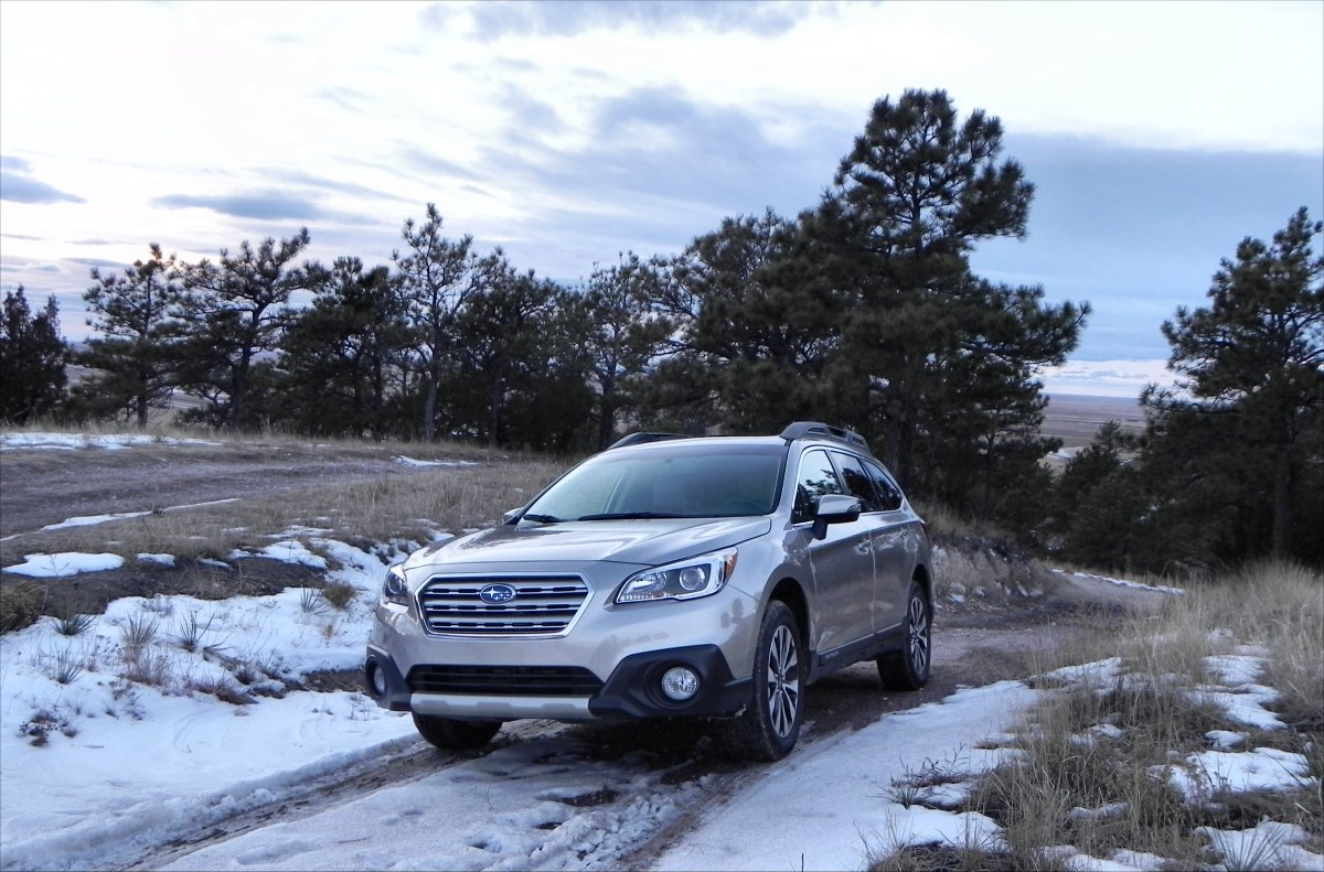 driving in snow with a 2015 subaru autos post. Black Bedroom Furniture Sets. Home Design Ideas