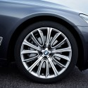 thumbs bmw 750i exterior 3