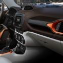 thumbs 2016 jeep renegade interior 2