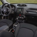 thumbs 2016 jeep renegade interior 4