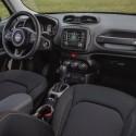 thumbs 2016 jeep renegade interior 4