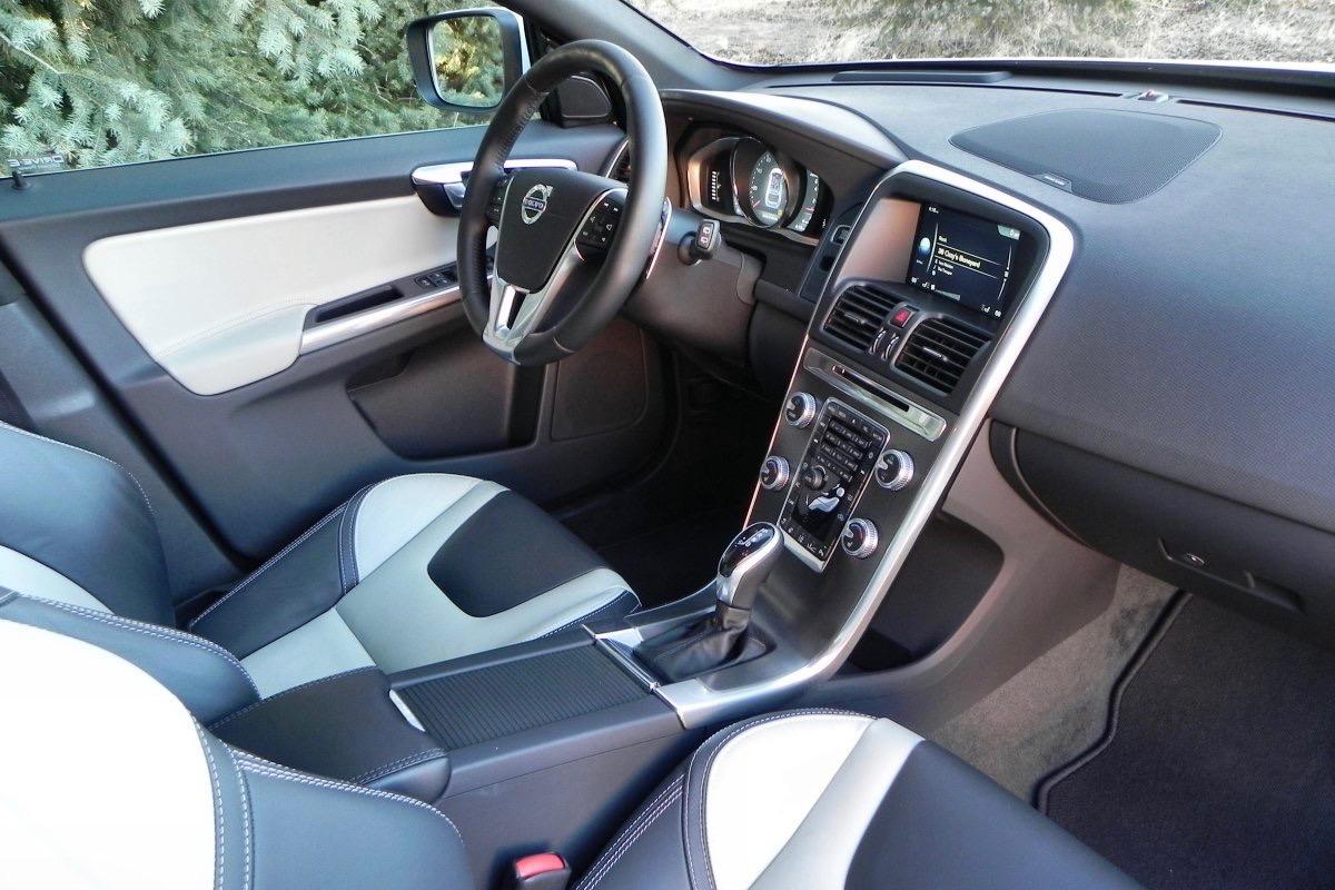 2016 Volvo XC60 : Review