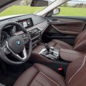 thumbs 2017 bmw 530e interior 2