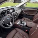 thumbs 2017 bmw 530e interior 2