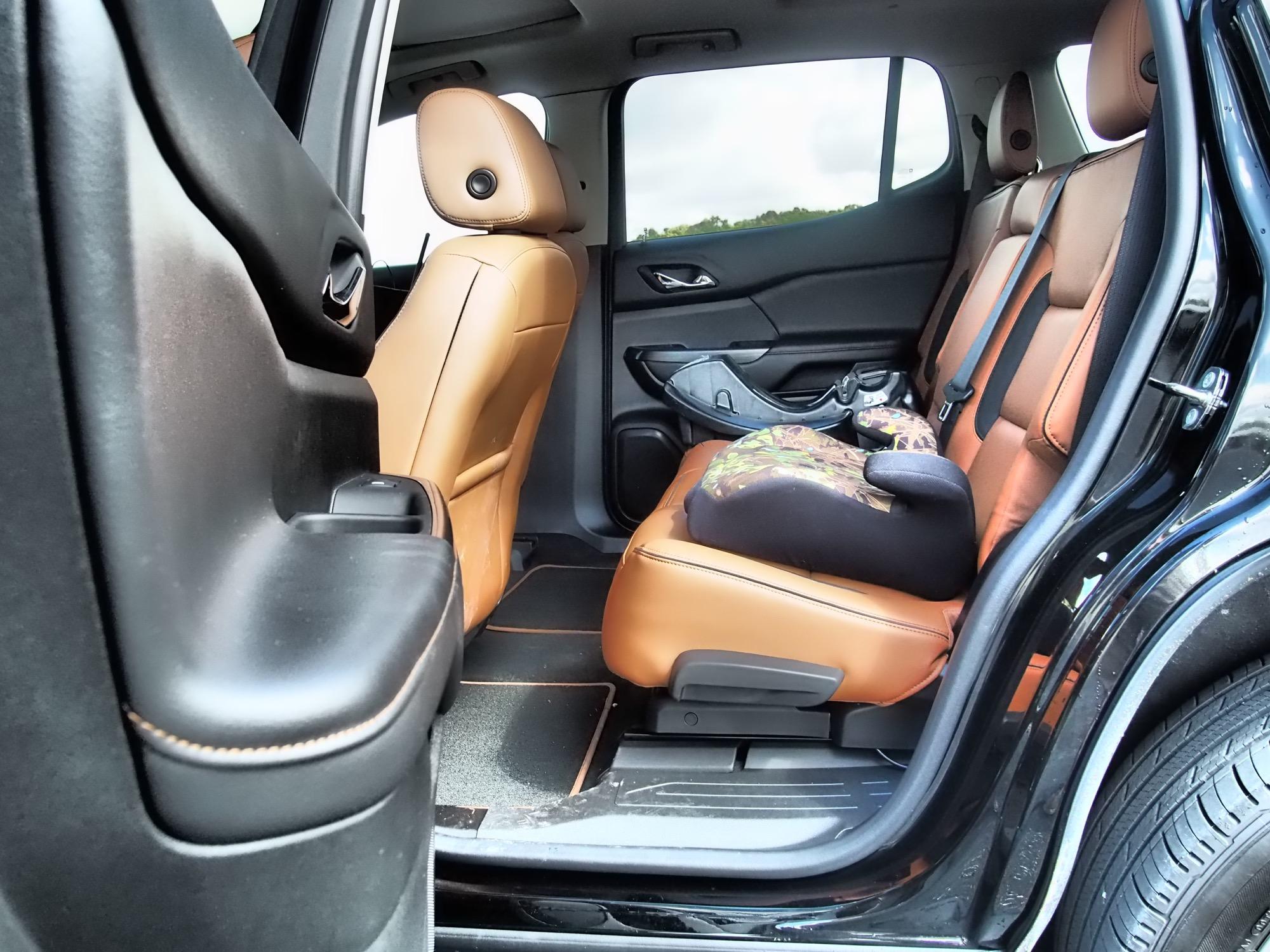 2017 gmc acadia review for Gmc acadia denali 2017 interior