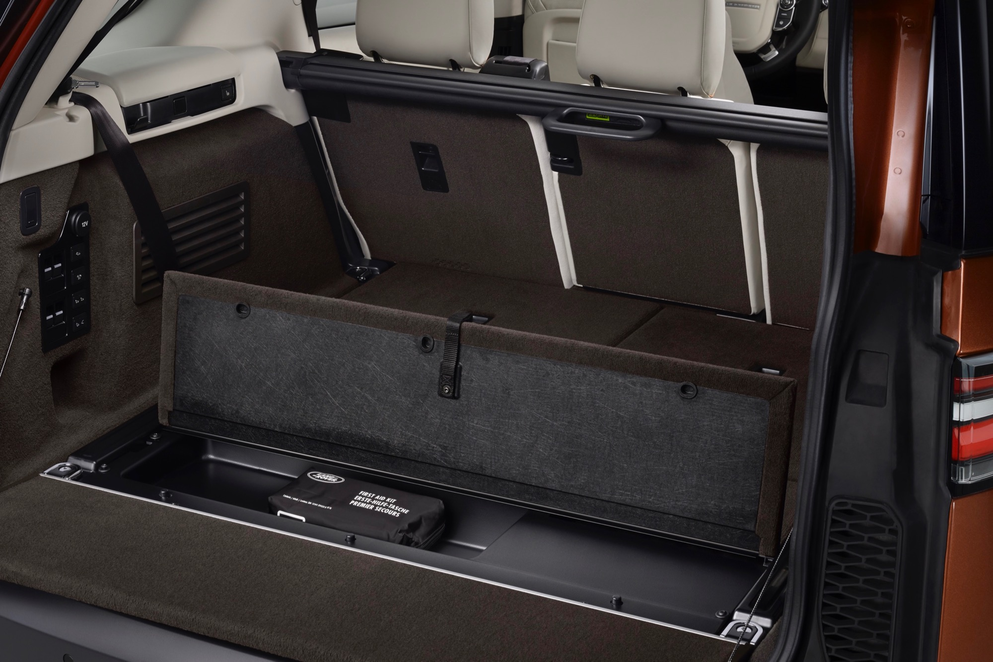 Thumbs Land Rover Discovery Interior 4