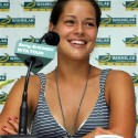 thumbs ana ivanovic 72