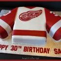 redwings-amandascustomcakes3.blogspot