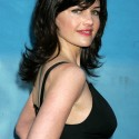 thumbs carla gugino 11