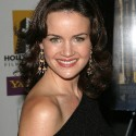 thumbs carla gugino 13