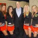 thumbs chicago blackhawks ice crew 79