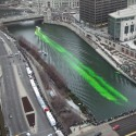 thumbs chicago river green dye st patricks day 01