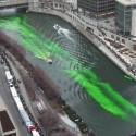 thumbs chicago river green dye st patricks day 02