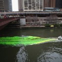 thumbs chicago river green dye st patricks day 03
