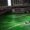thumbs chicago river green dye st patricks day 04