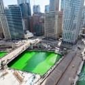 thumbs chicago river green dye st patricks day 14