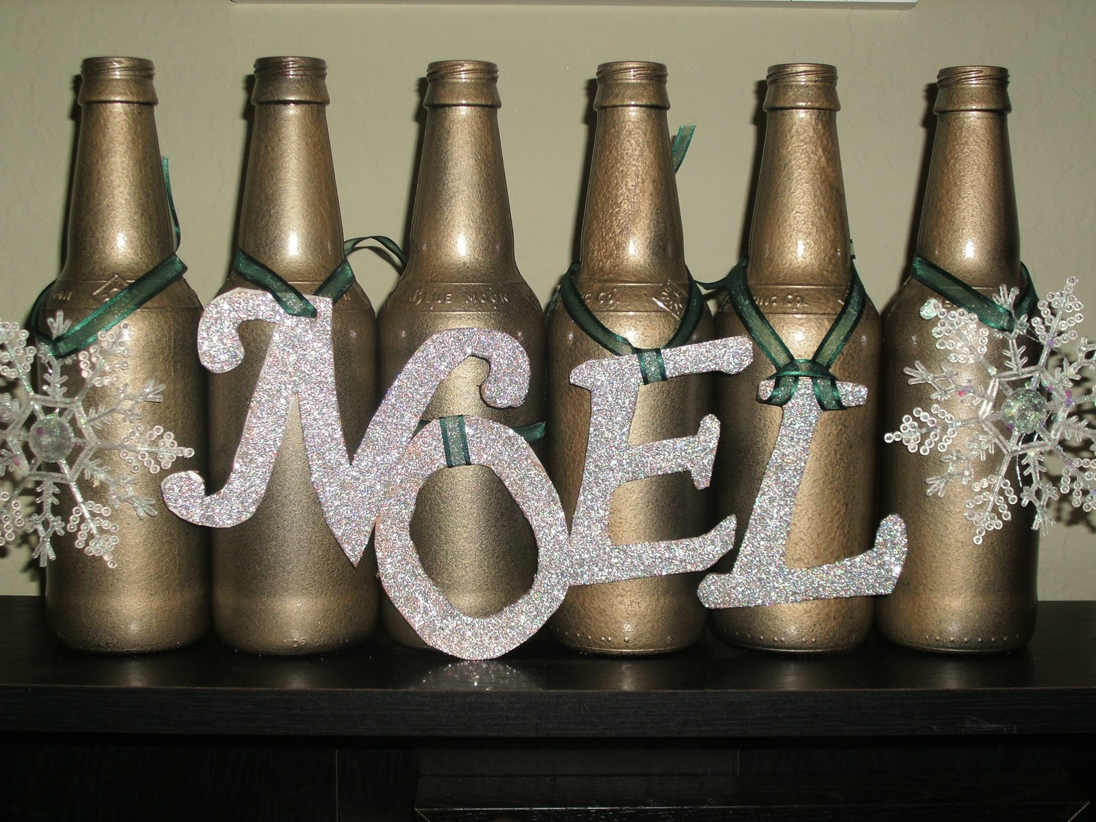 60 joyous beer christmas decorations for Beer bottle decoration ideas