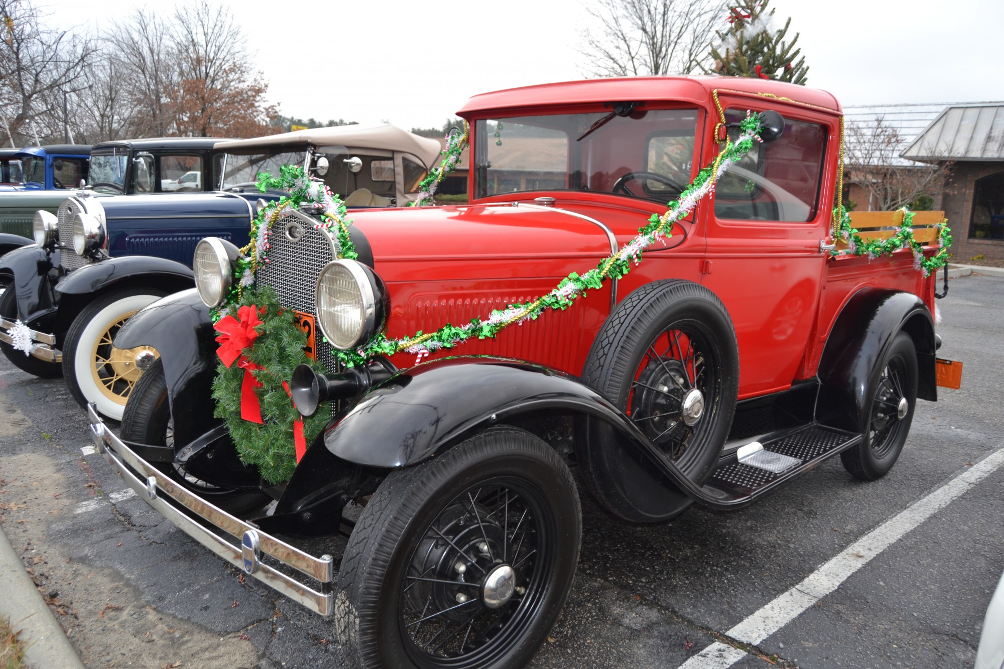 Decorate Van For Christmas Parade