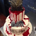 epic-game-of-thrones-cake-with-a-twist_gp_2517255