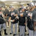 tigers-celebrate2