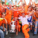 thumbs dutch fans 24