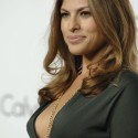 thumbs eva mendes 042