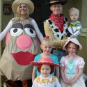 thumbs family costumes 11