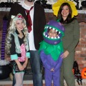 thumbs family costumes 57