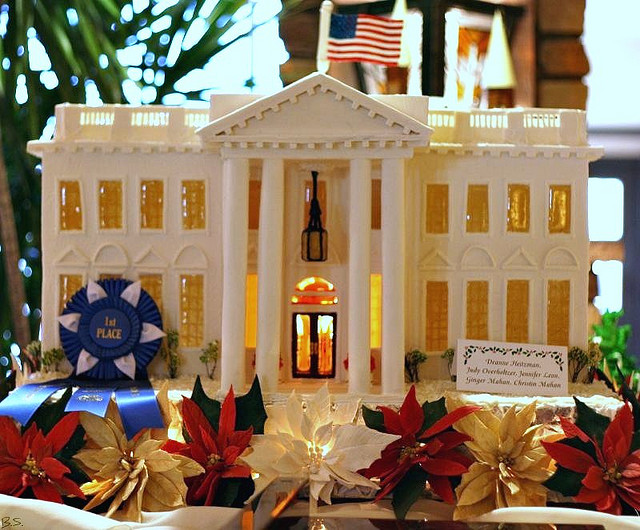 Extreme makeover gingerbread edition amazing gingerbread for Gingerbread house plans
