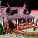 thumbs gingerbread houses 009