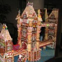 thumbs gingerbread houses 029