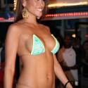 thumbs sexy girls in bikinis 117