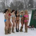 thumbs sexy girls in bikinis 127