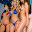 thumbs sexy girls in bikinis 15