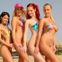 thumbs sexy girls in bikinis 44