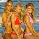 thumbs sexy girls in bikinis 69