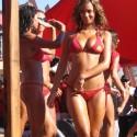 thumbs sexy girls in bikinis 76