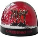 snow_globe-kiss