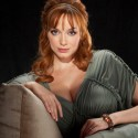 thumbs rbk christina hendricks goddess hair 0809 mdn