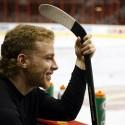 thumbs 10 patrick kane hairstyle haircut classic hockey hair