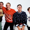 thumbs xmas sweater 11