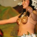 thumbs hula girls 37