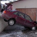 idiot-driver-crashes-12.jpg