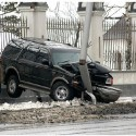 idiot-driver-crashes-19.jpg