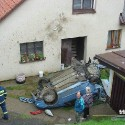 idiot-driver-crashes-5.jpg